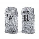 Camiseta San Antonio Spurs Bryn Forbes #11 Earned Camuflaje